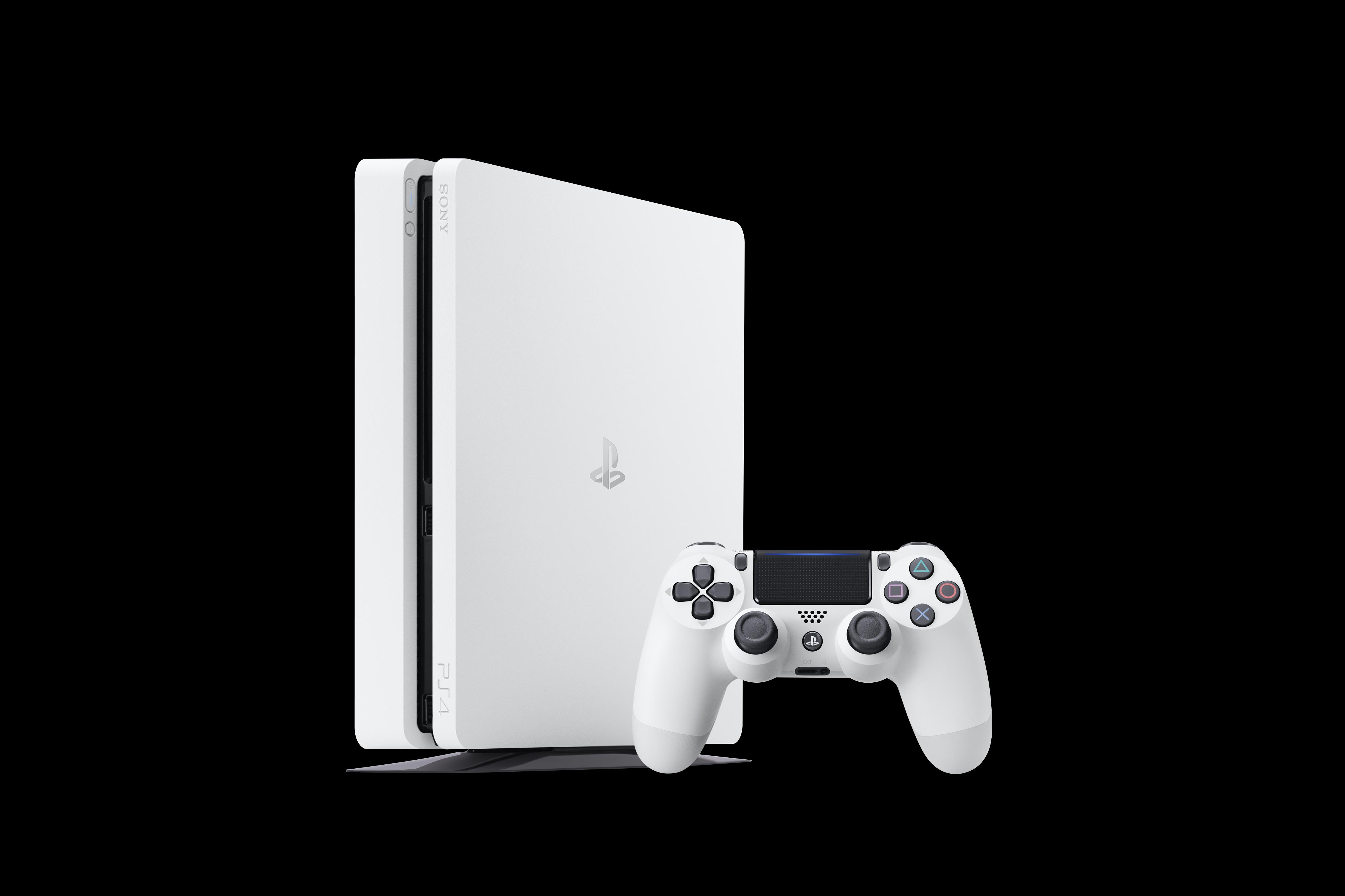 La PlayStation 4 bianca arriva a fine gennaio